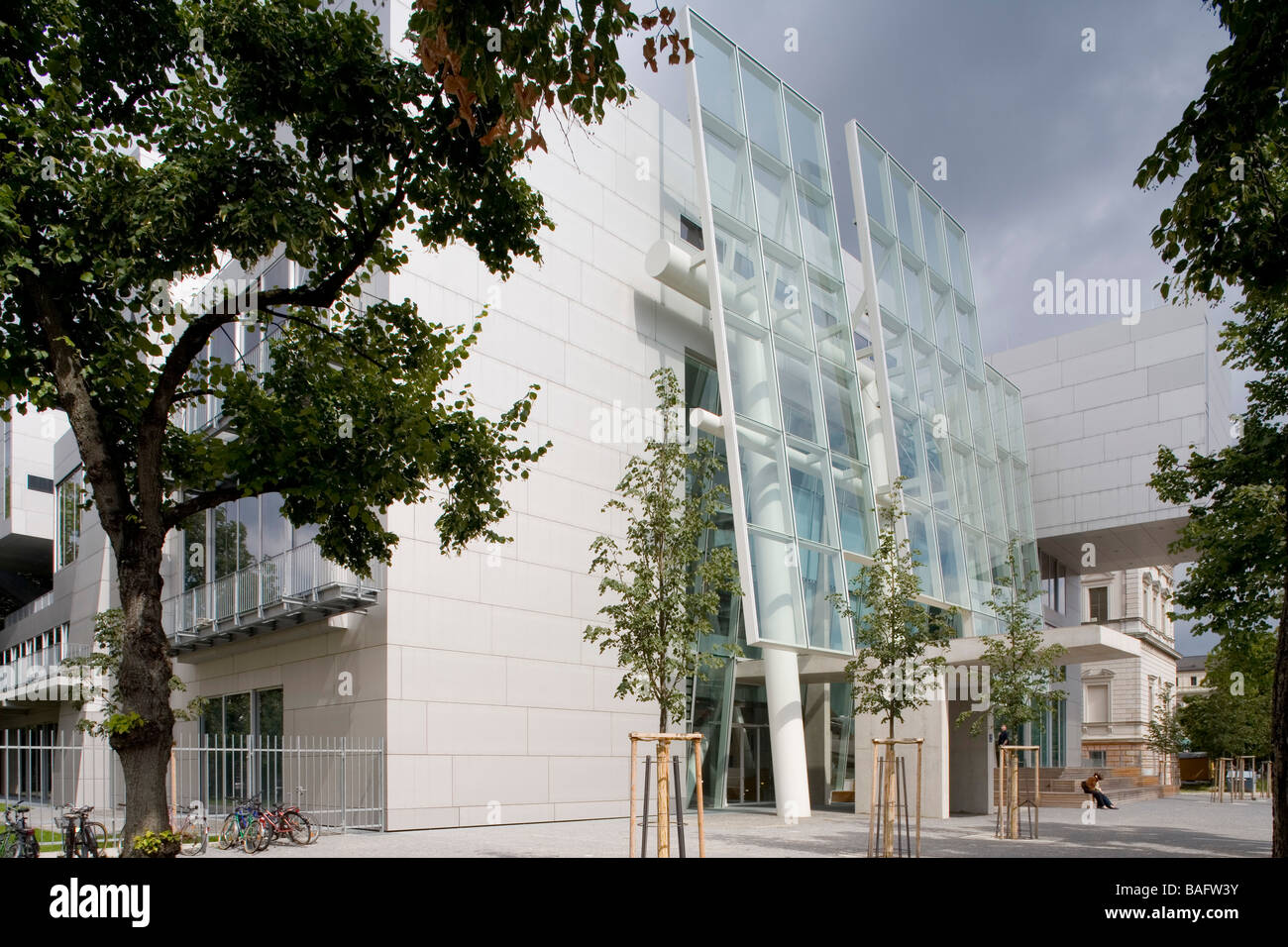Academia of Fine Arts, Munich, Germany, Coop Himmelb(l)au, Academia of fine arts main entrance from the south west. - Stock Image