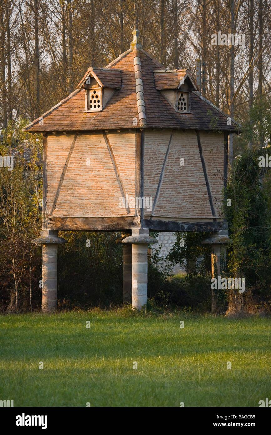 France, Tarn, Le Verdier, dovecote Stock Photo: 23717881 - Alamy