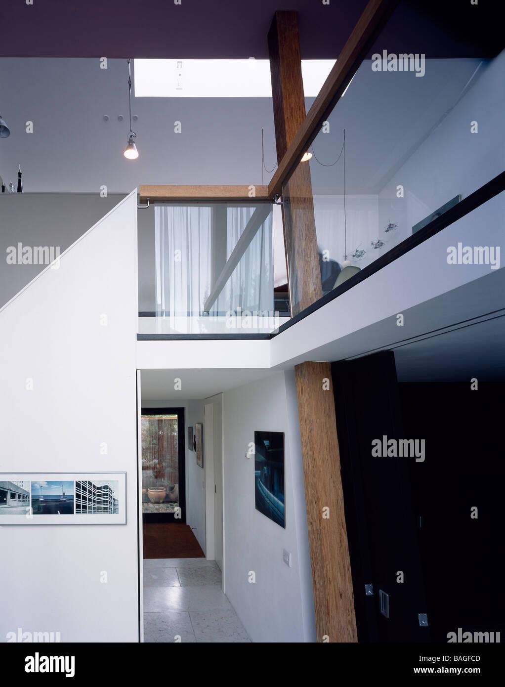 In-Between, London, United Kingdom, Annalie Riches Silvia Ullmayer and Barti Garibaldo, In-between ground level - Stock Image