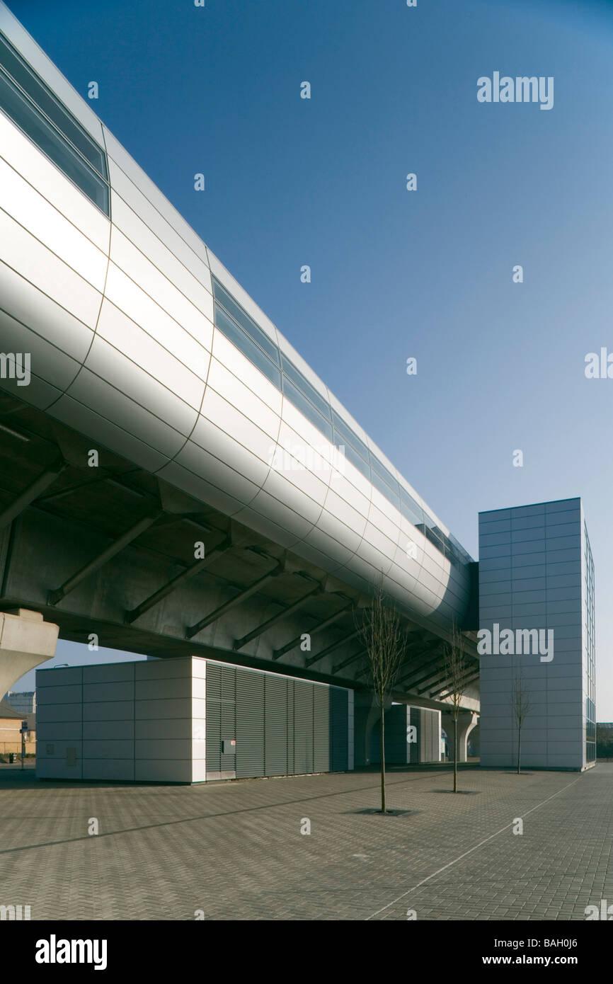Dlr West Silvertown Station, London, United Kingdom, Weston Williamson Architects, Dlr west silvertown station platform - Stock Image