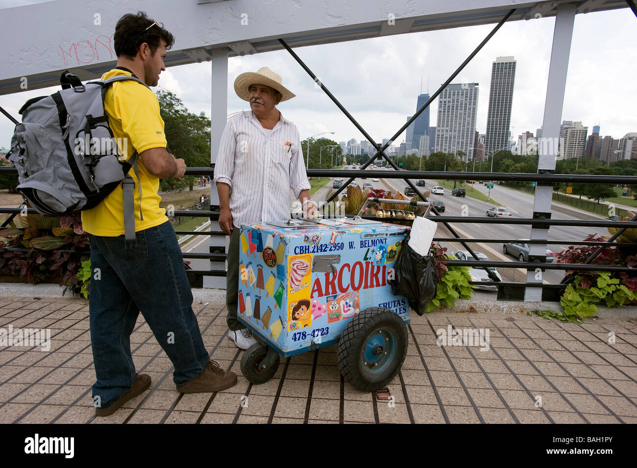 United States, Illinois, Chicago, Mexican emigrant selling ice creams close to Lincoln Park - Stock Image