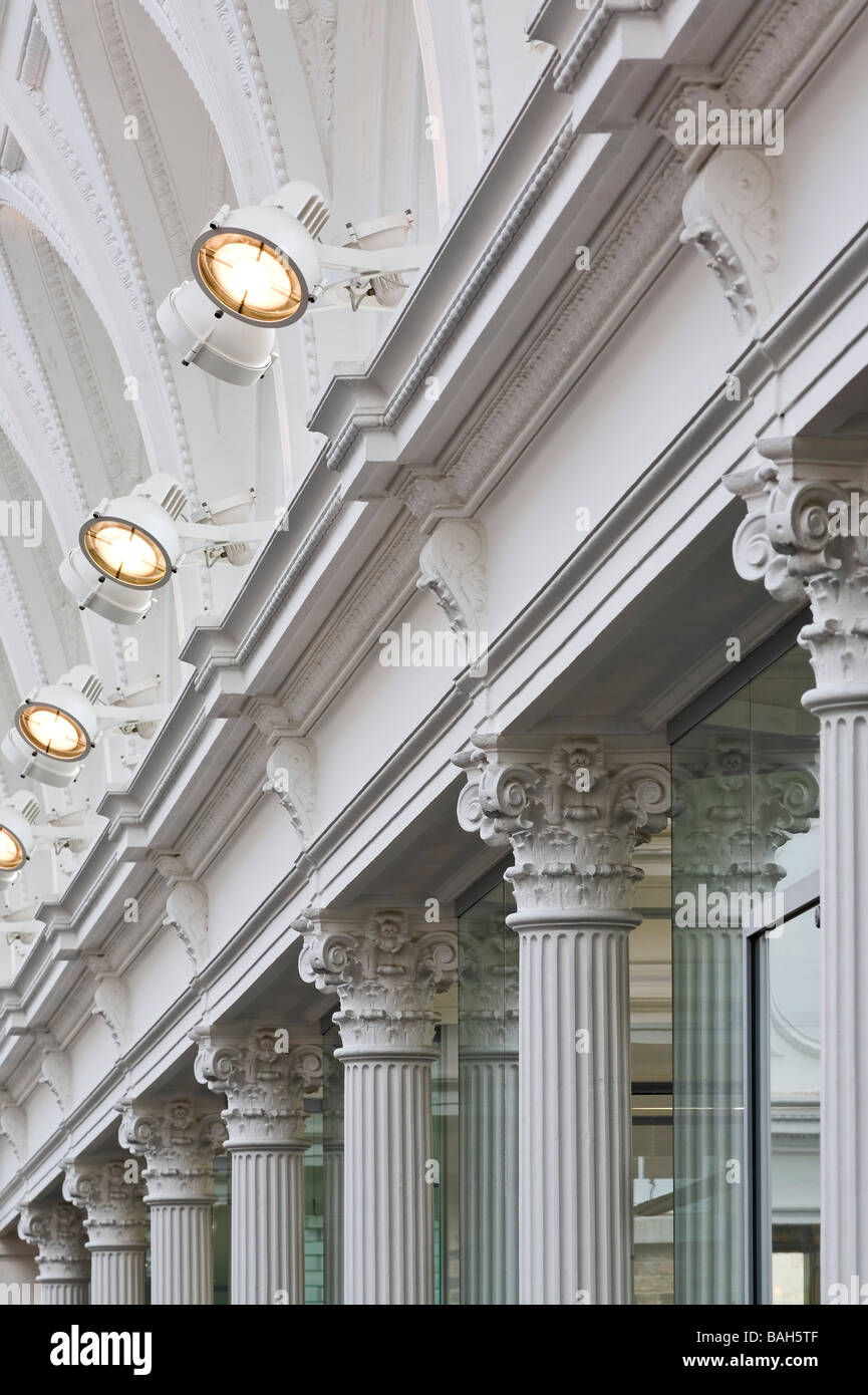Central Court, London, United Kingdom, Sir John Taylor, Central court column and lighting detail. Stock Photo