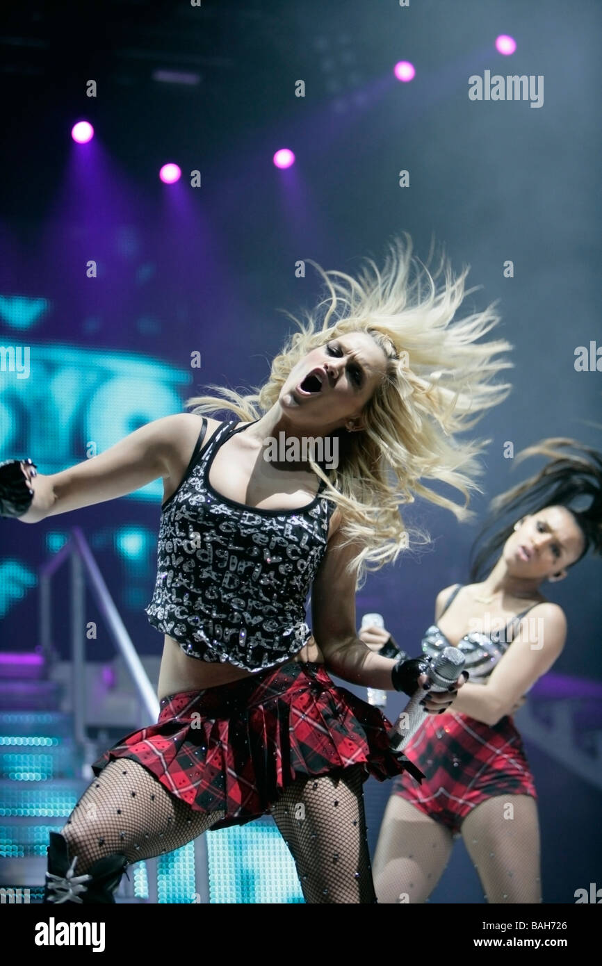 Ashley Roberts and Melody Thorton of the pussycat dolls perform onstage at Kings Hall on February 3 2009 in Belfast - Stock Image