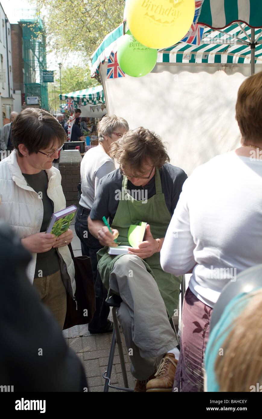 Hugh Fearnley Whittingstall at Taunton vale farmers market - Stock Image