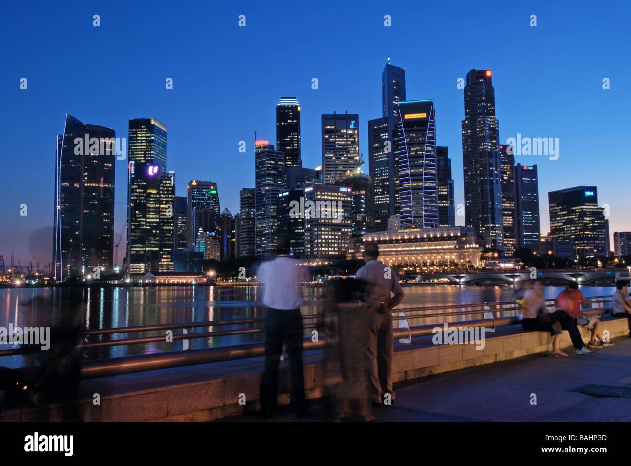Singapur by Night - Stock Image
