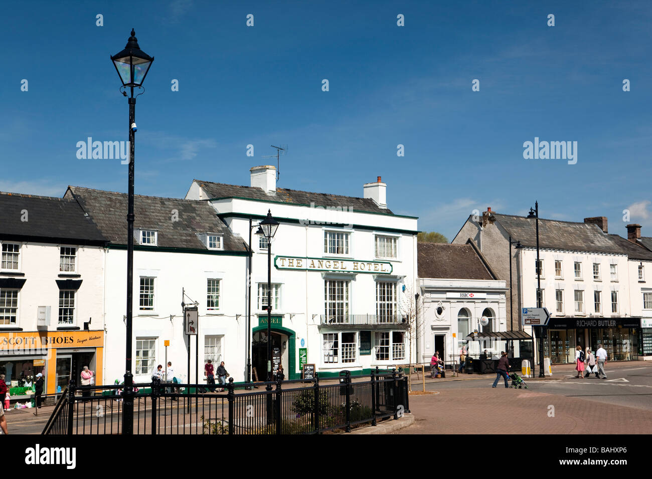 UK Gloucestershire Forest of Dean Coleford Market Place Angel Hotel former coaching Inn - Stock Image