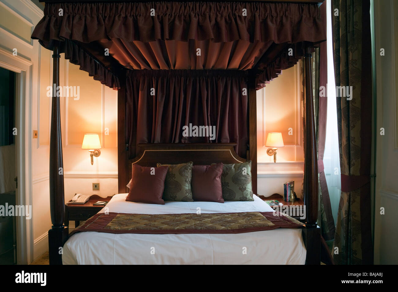 bedroom, Grange Blooms Hotel, Montague Street, London, England - Stock Image