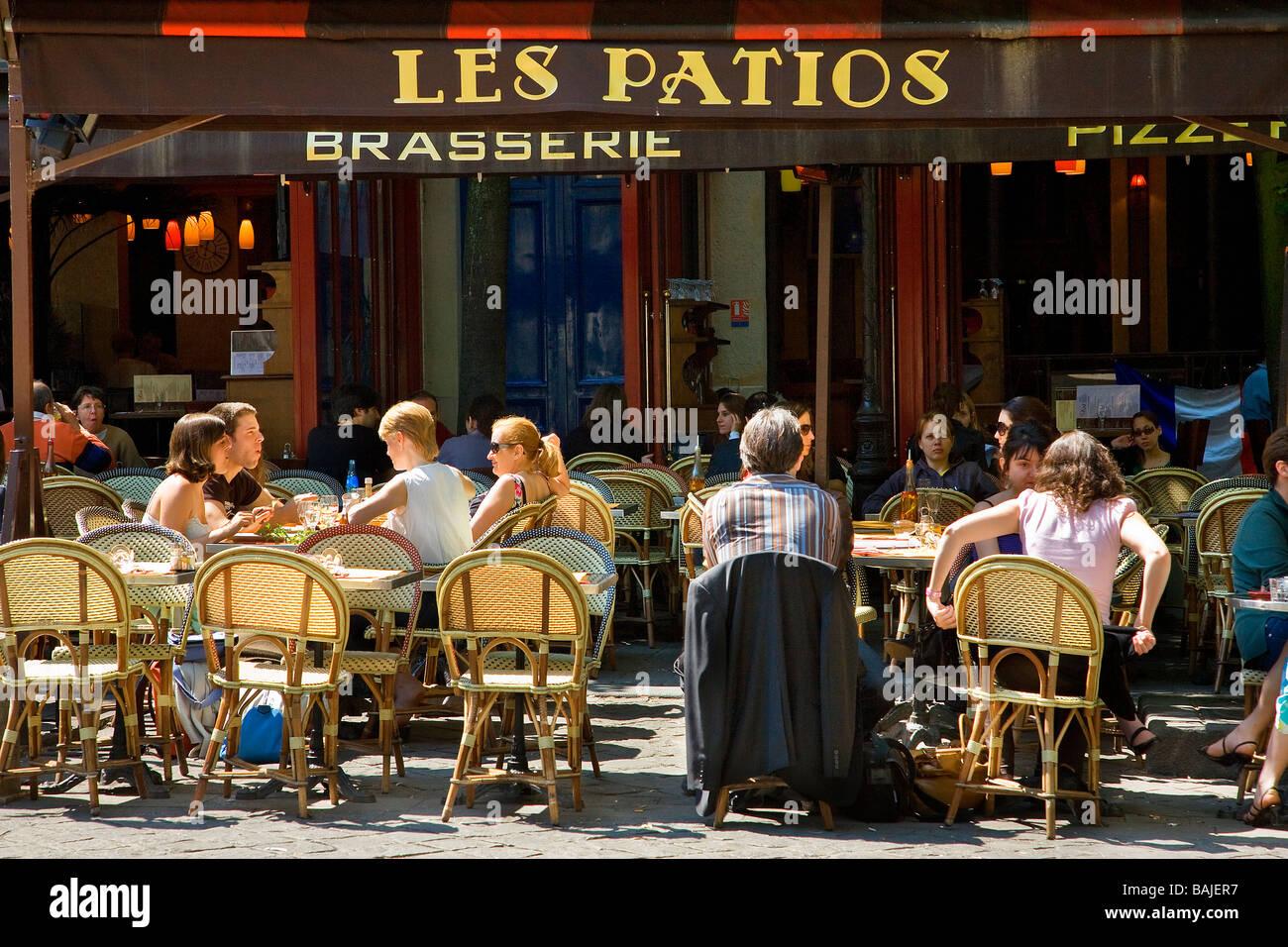 France, Paris, Quartier Latin, Place de la Sorbonne,  terrace of Les Patios Brasserie - Stock Image