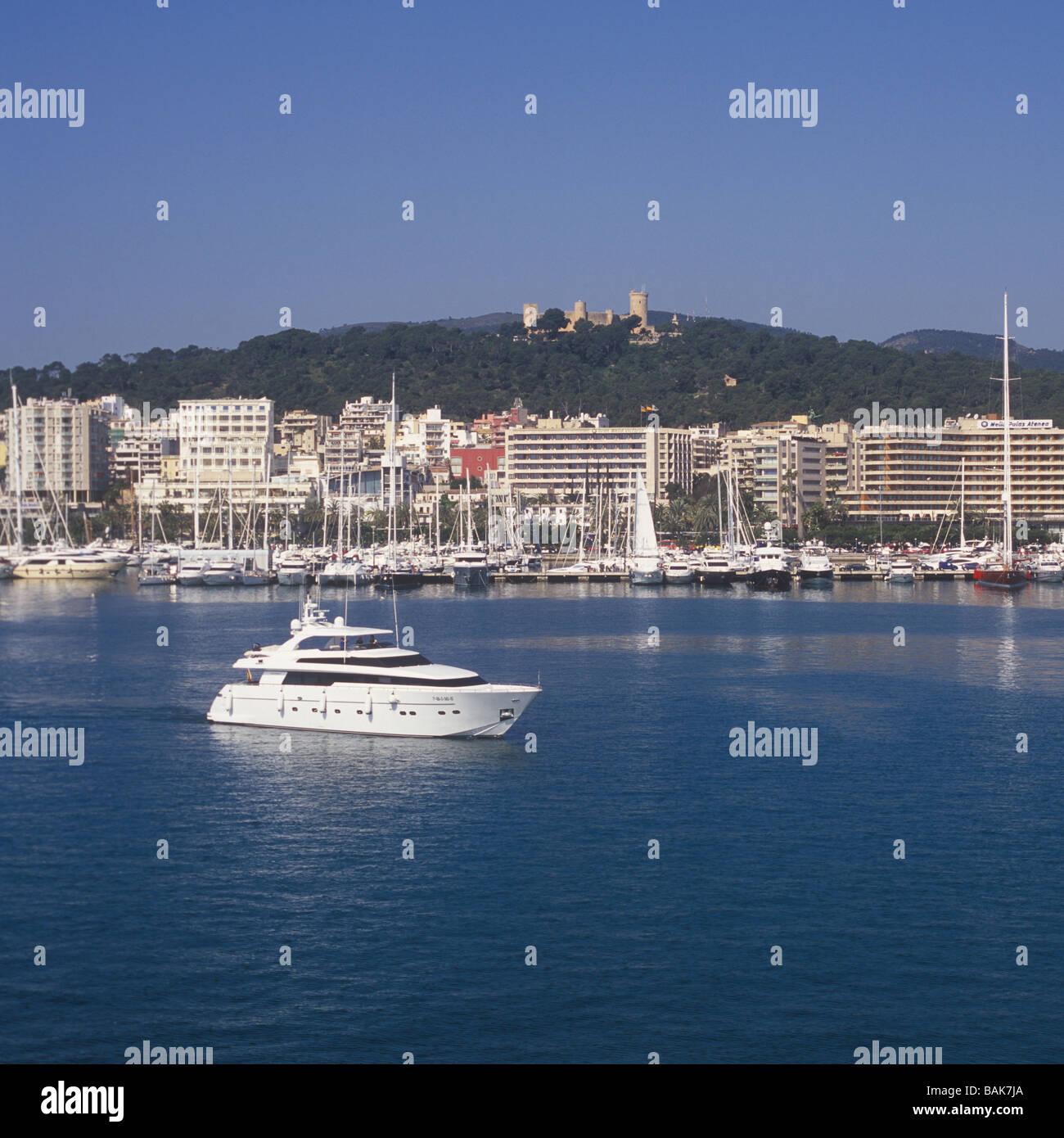 Motor Yacht en route for Palma International Boat Show 2009, - Stock Image