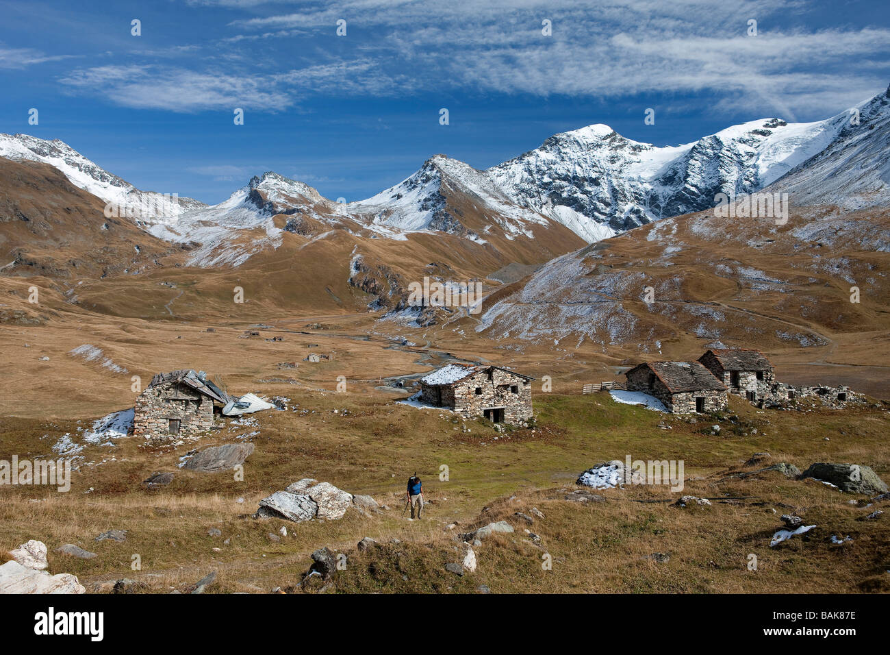 France, Savoie, Le Clou hamlet (2226m) and Le Plan (2208m), facing the Pointe des Mines and the upper side of Les - Stock Image