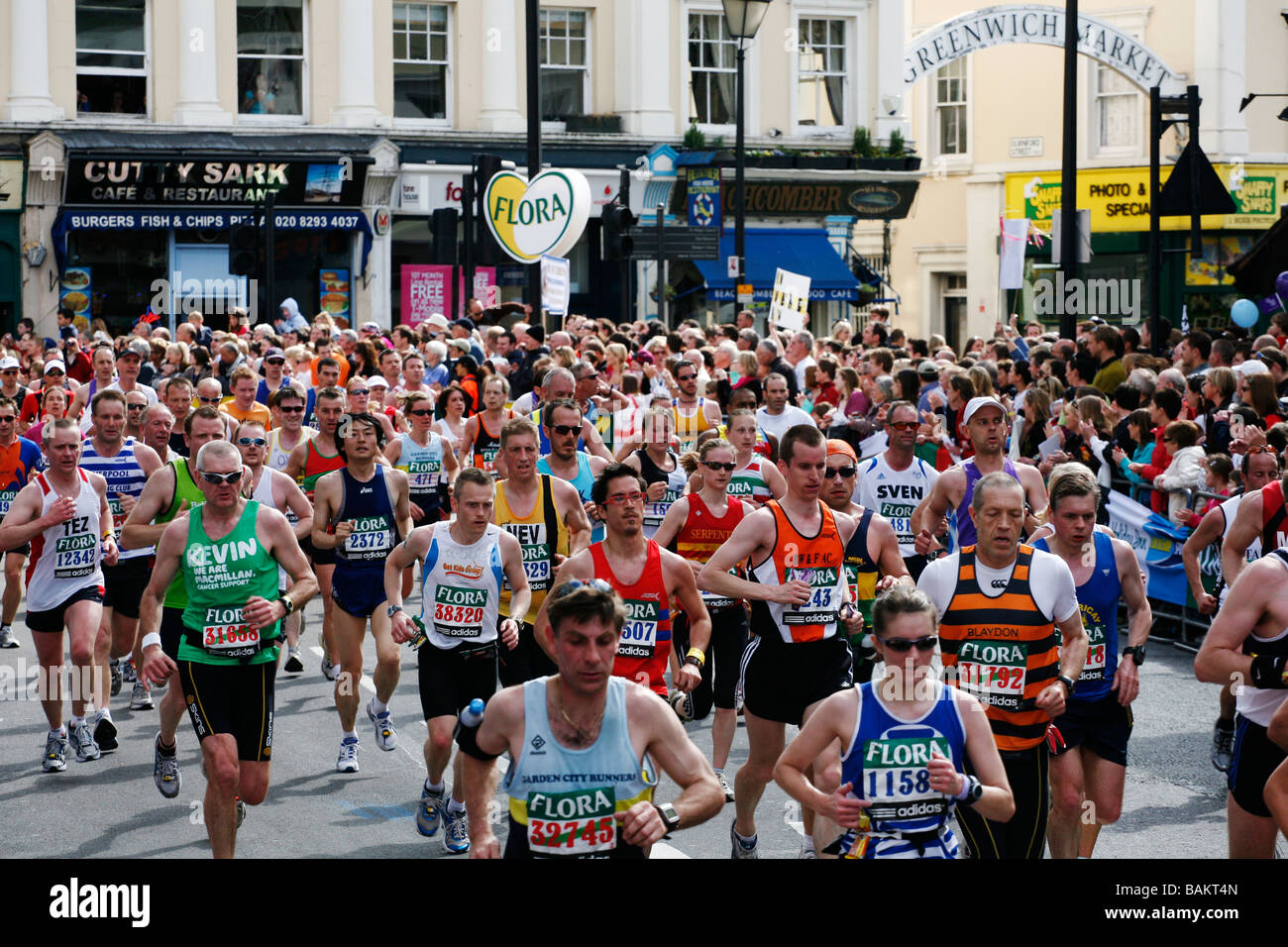 The 2009 London Marathon in Greenwich. - Stock Image