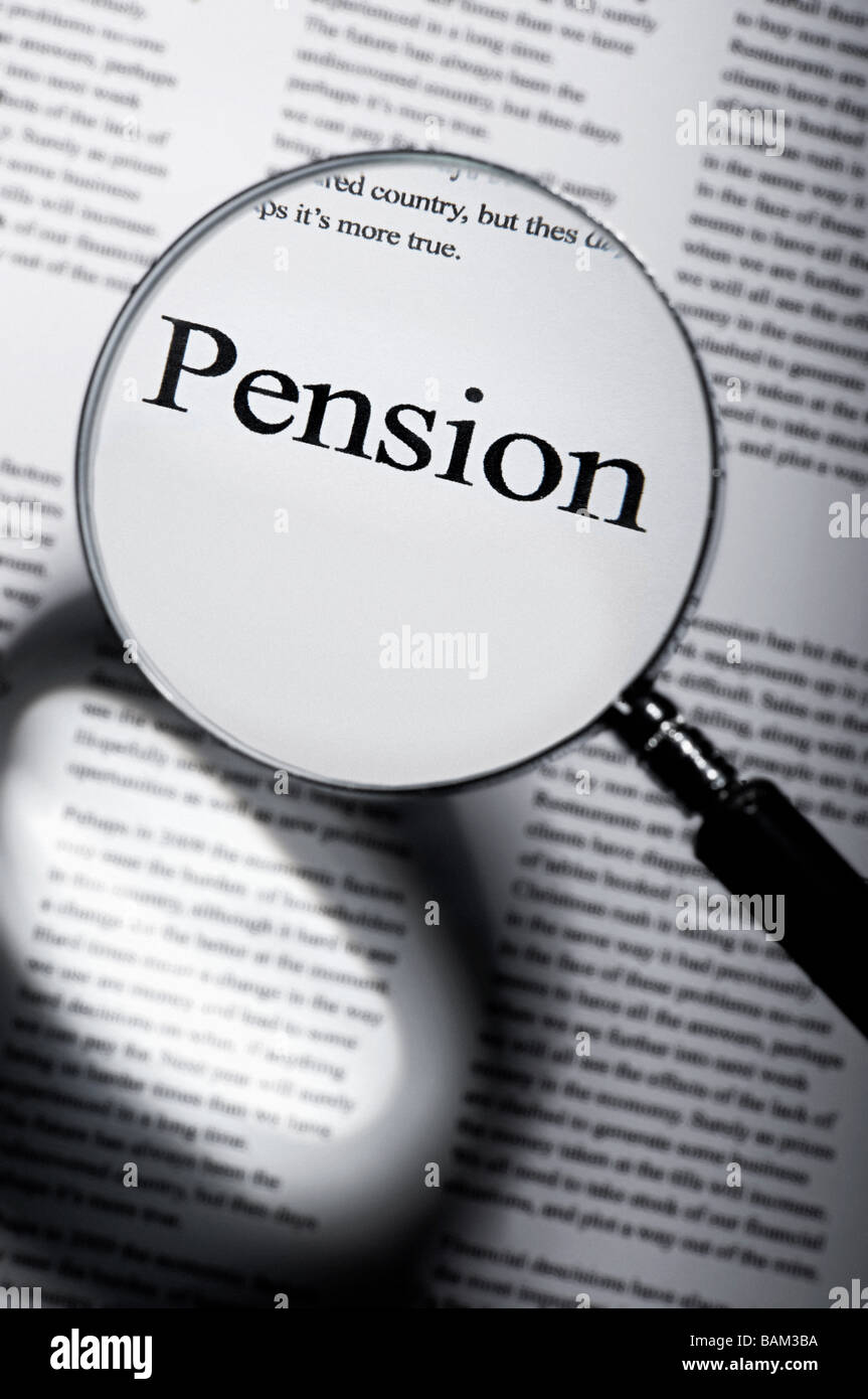 Word pension under magnifying glass - Stock Image
