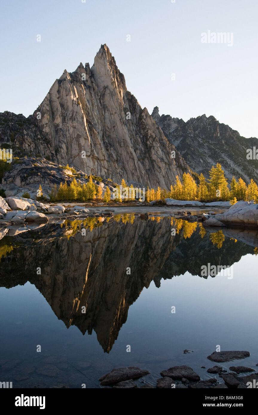 Prusik peak and enchantment lakes - Stock Image