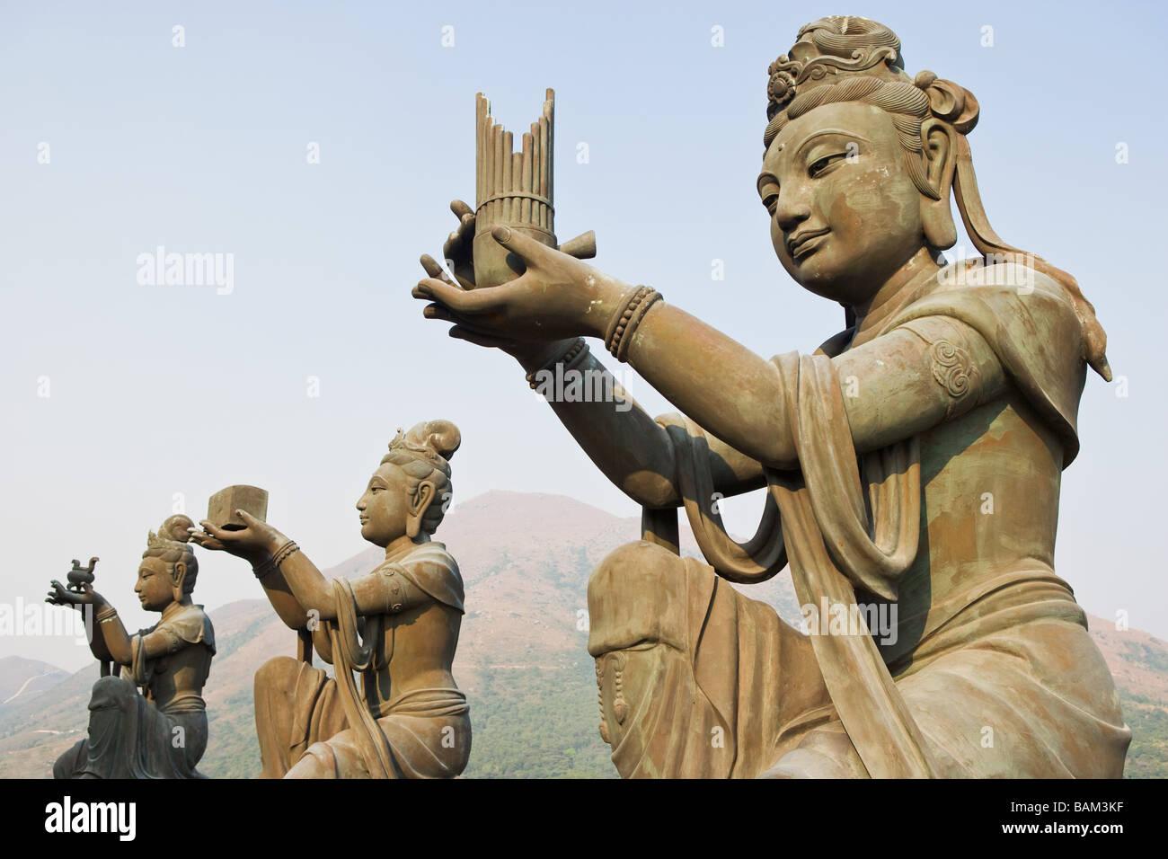 Statues near tian tan buddha - Stock Image