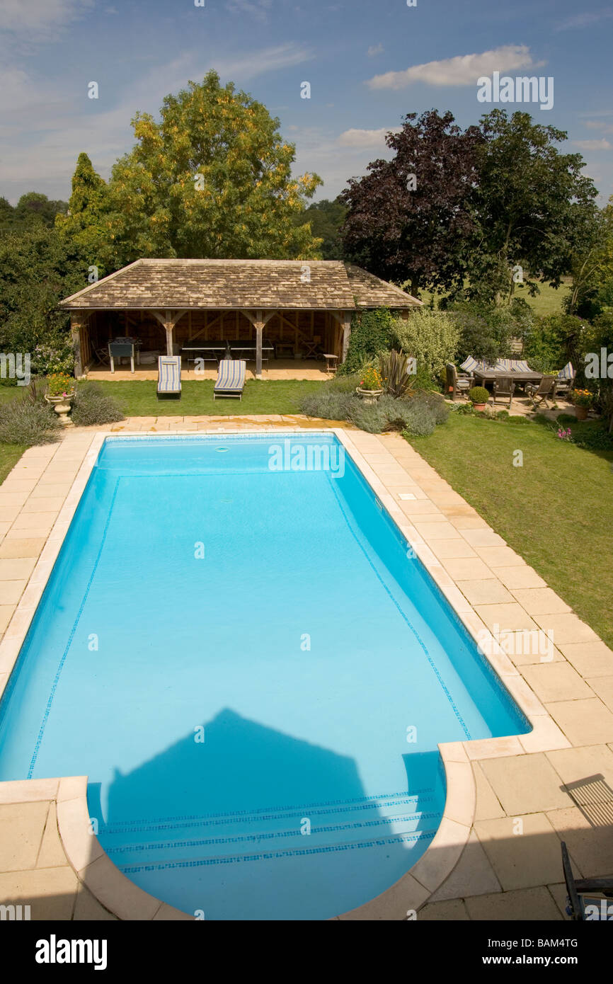 Outdoor swimming pool house uk stock photos outdoor - Houses in england with swimming pools ...