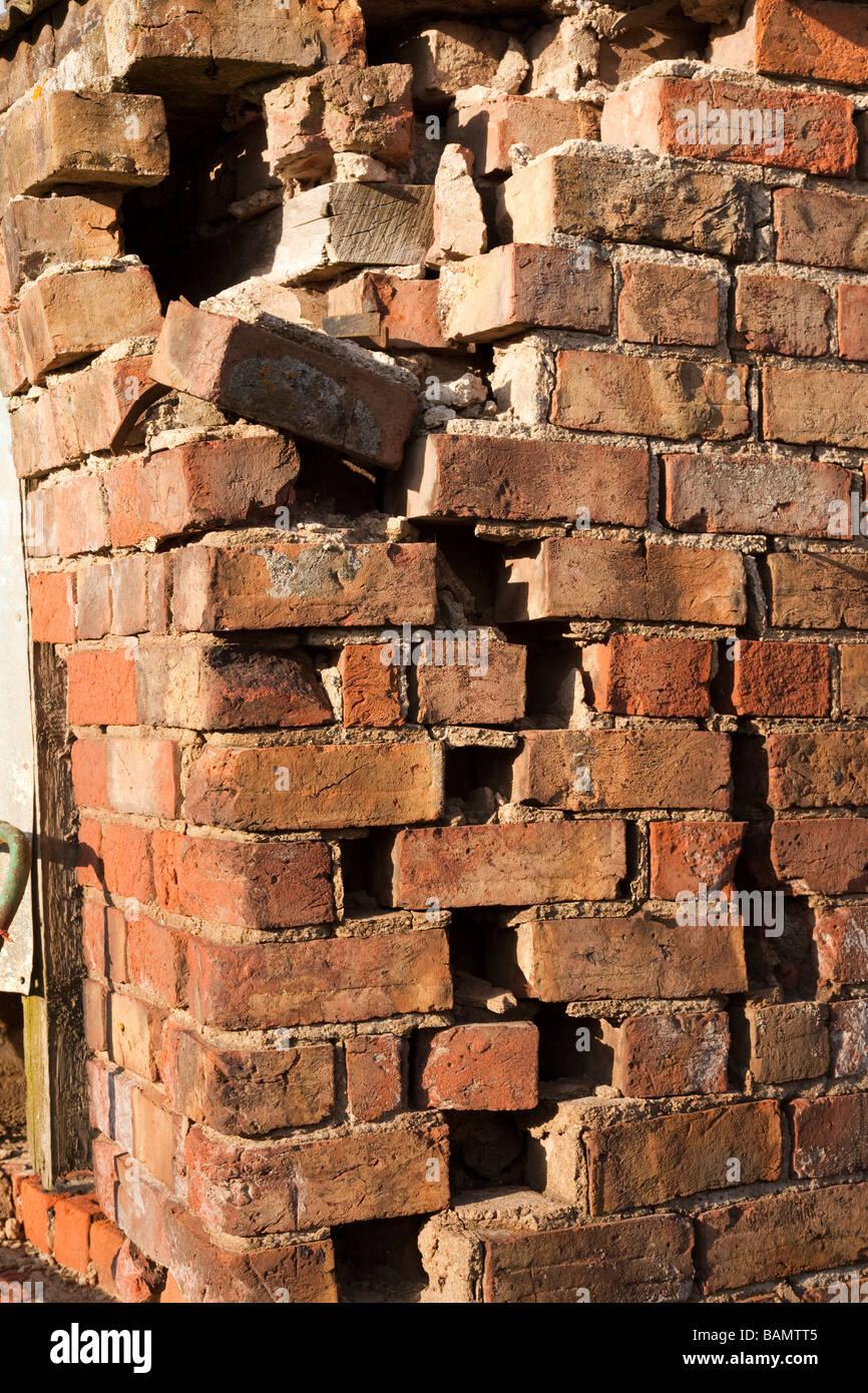 Crumbling Brick Wall Stock Photos Amp Crumbling Brick Wall