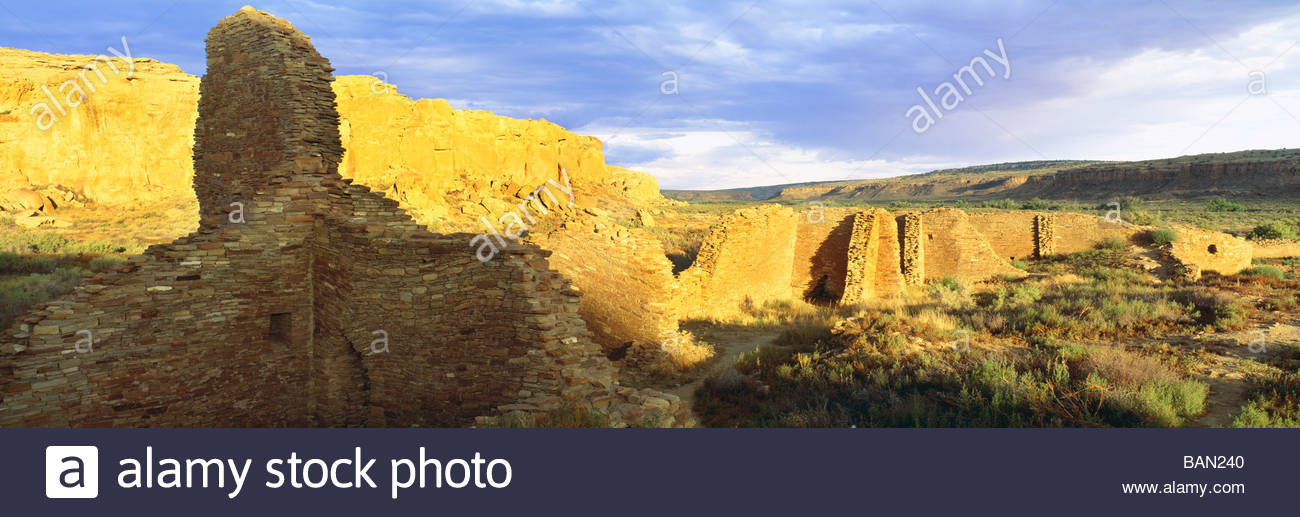 Sunset  ruins of 'Chetro Ketl'  Anasazi culture 'Great House' [Chaco Culture National Historical - Stock Image