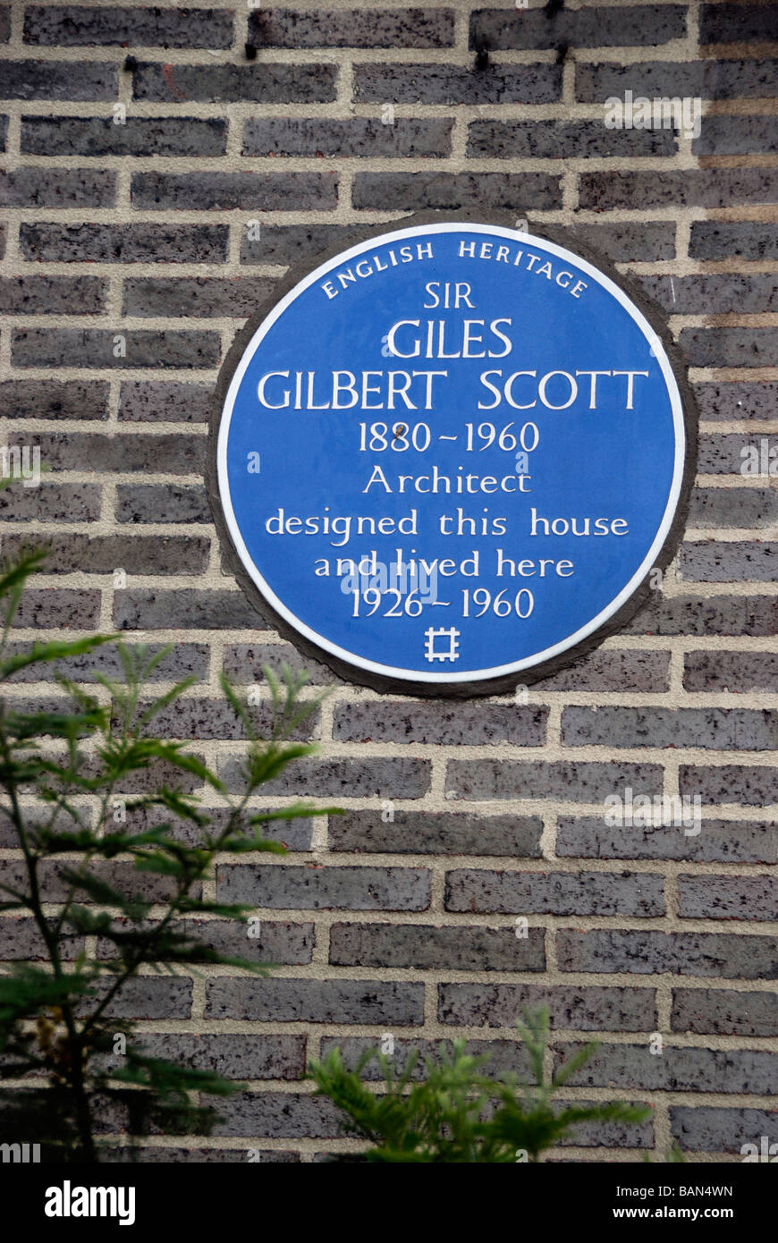 Blue wall plaque marking the former house of the architect Sir Giles Gilbert Scott Chester House Clarendon Pl Bayswater - Stock Image