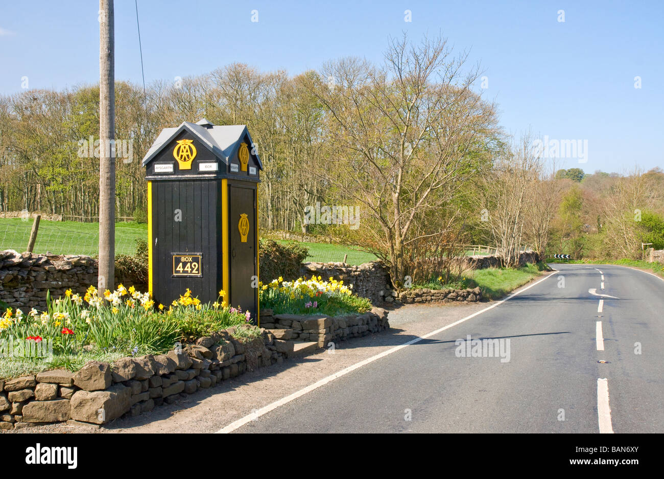 Old AA telephone box at the road side near Aysgarth, Wensleydale, North Yorkshire Stock Photo