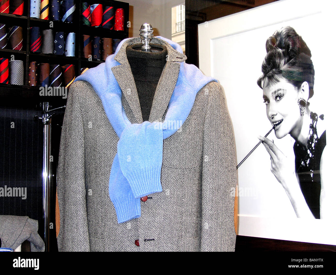 Breakfast at Tiffany's, Audrey Hepburn and showcase - Stock Image