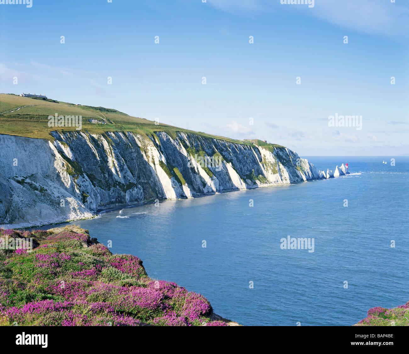 GB ISLE OF WIGHT ALUM BAY NEEDLES - Stock Image