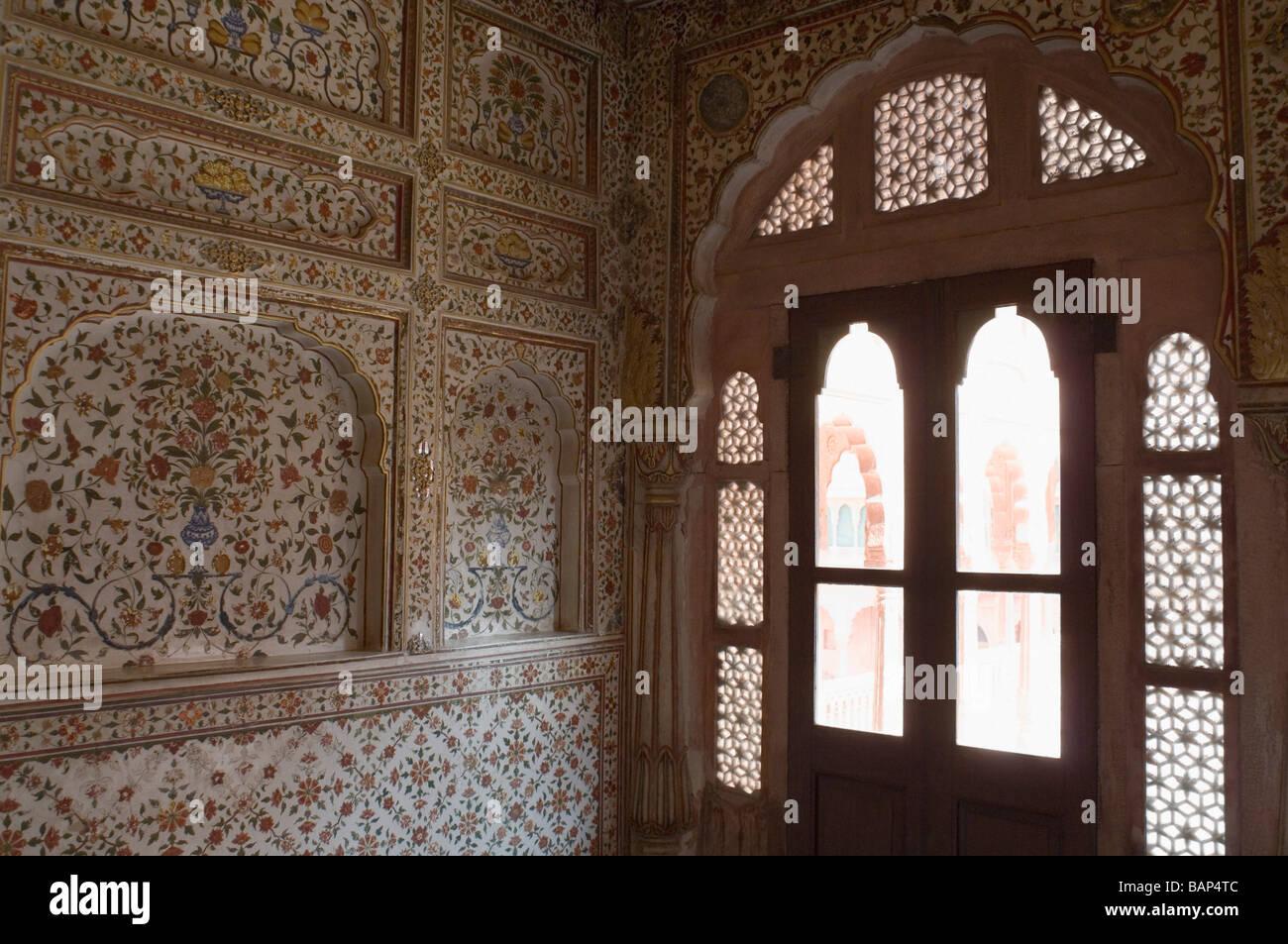 Carving on a wall, Chandra Mahal, Junagarh Fort, Bikaner, Rajasthan, India Stock Photo