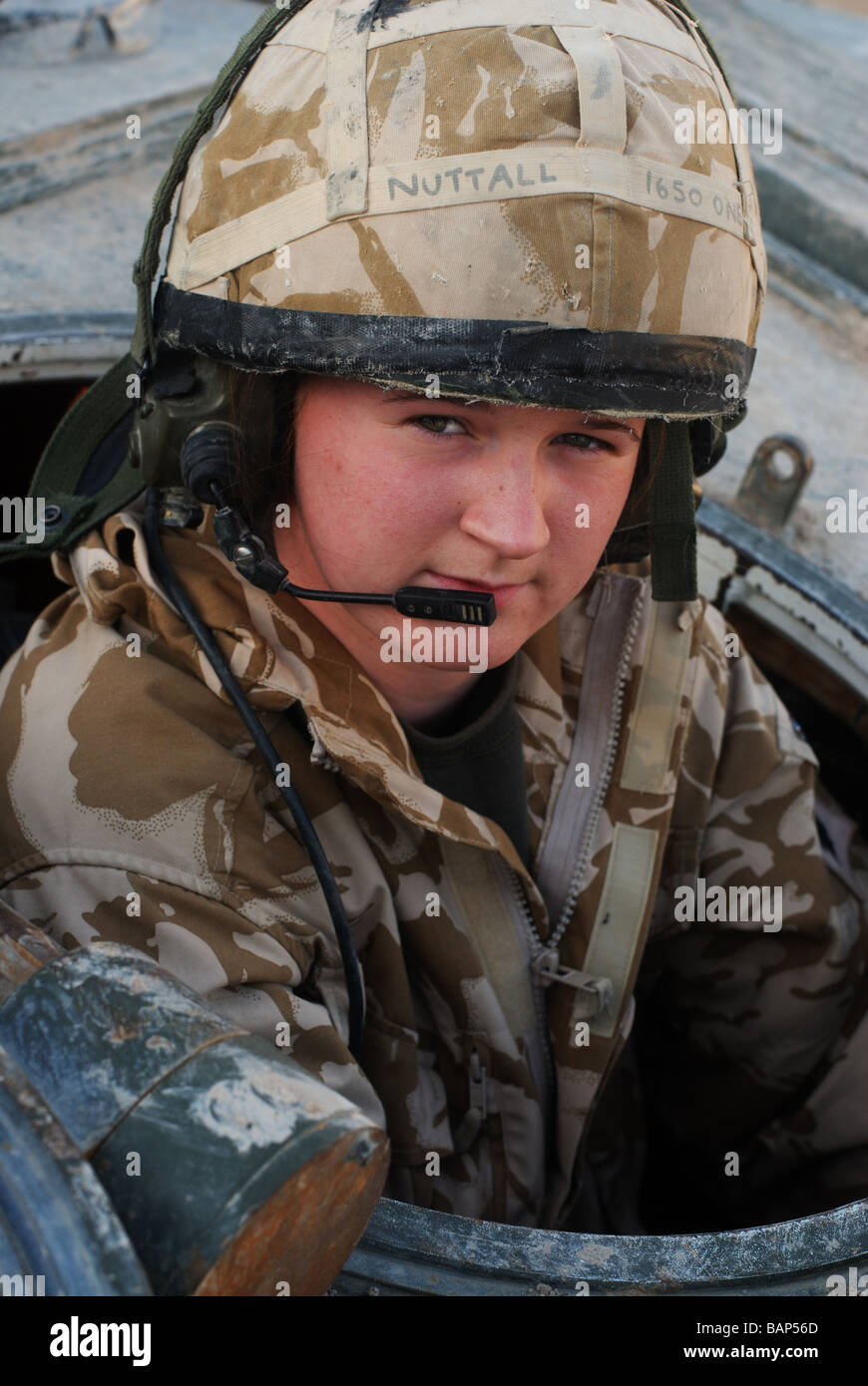 Craftsman CFN Sue Nuttall 21 recovery mechanic CRARRV Challenger Armoured Repair and recovery vehicle Stock Photo