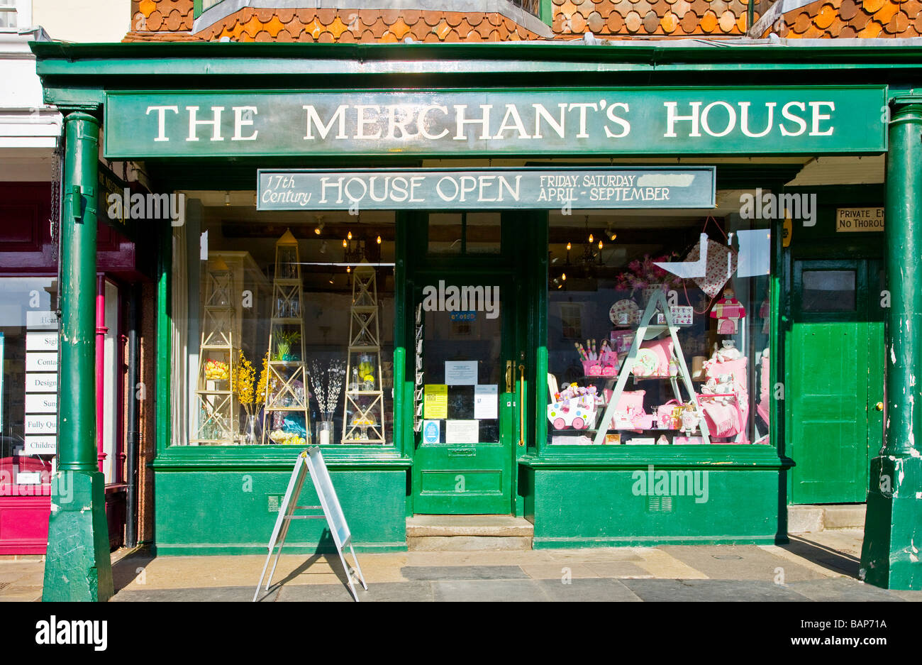 17th Century silk Merchant's House in the typical English market town of Marlborough Wiltshire England UK - Stock Image