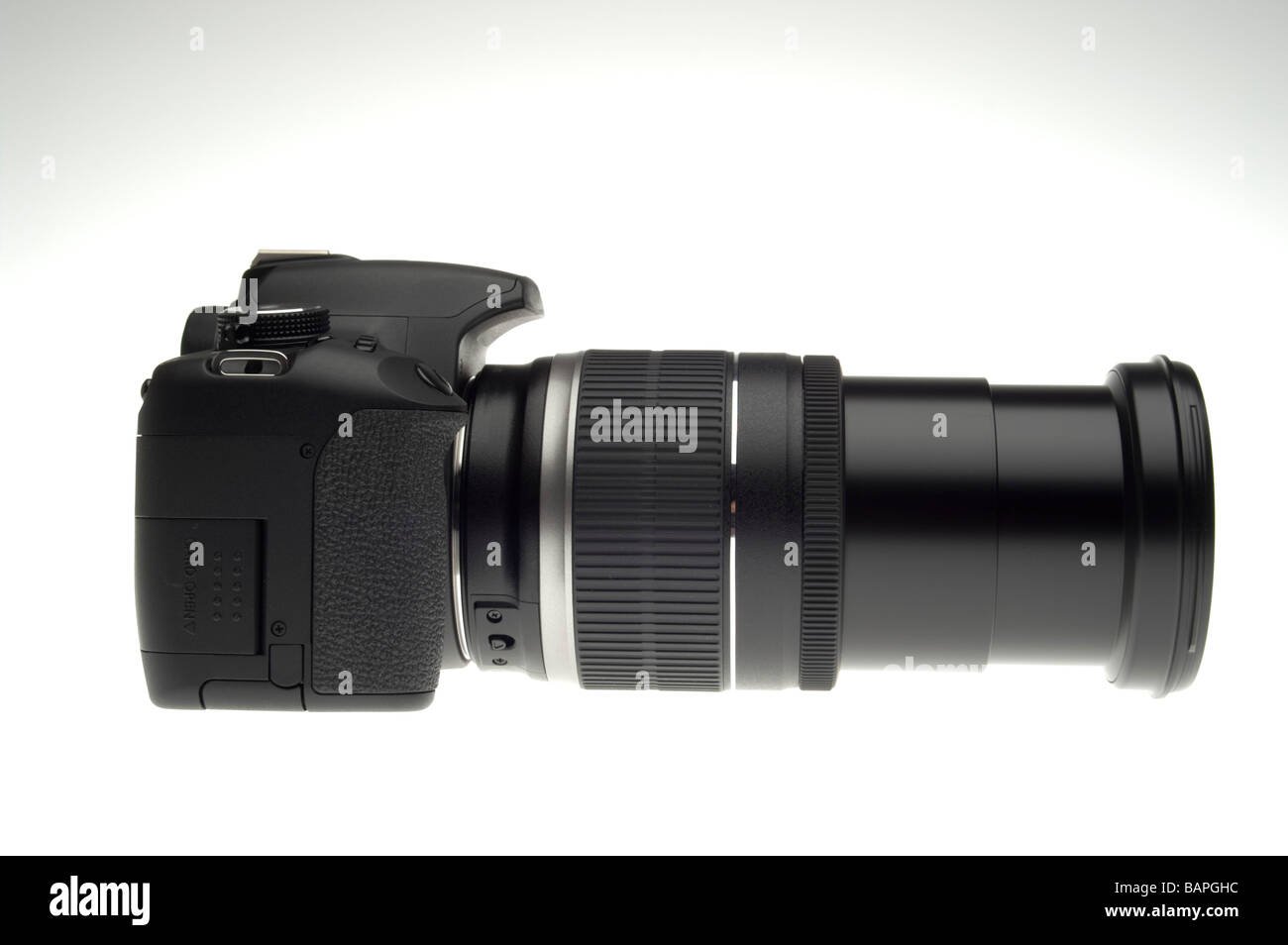 Digital SLR camera Canon EOS 500D HD video with zoom lens