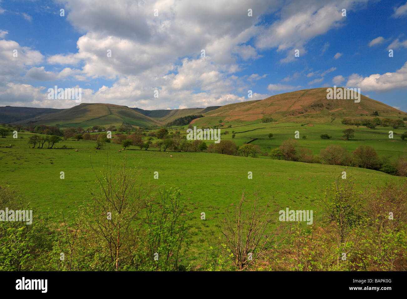 Kinder Scout from Edale on the Pennine Way, Derbyshire, Peak District National Park, England, UK. - Stock Image