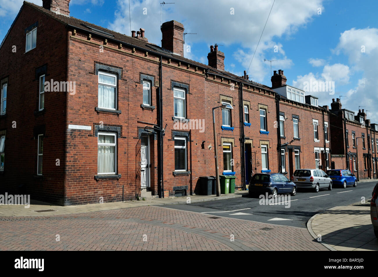 Back To Back Houses : Victorian red brick back to working class terrace