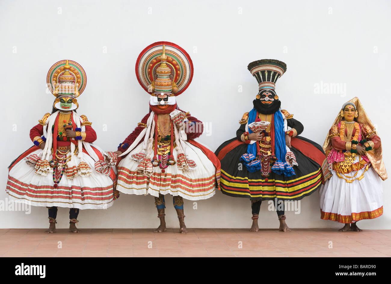 Four people kathakali dancing Stock Photo: 23872268 - Alamy