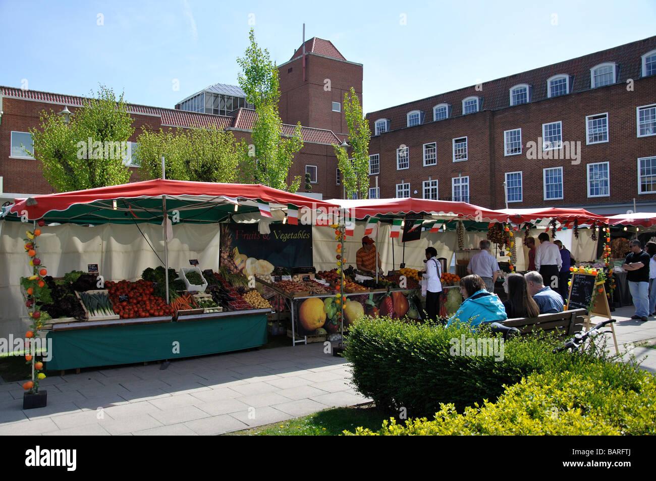 Welwyn Garden City Saturday Market Welwyn Garden City Centre Stock Photo 23874274 Alamy