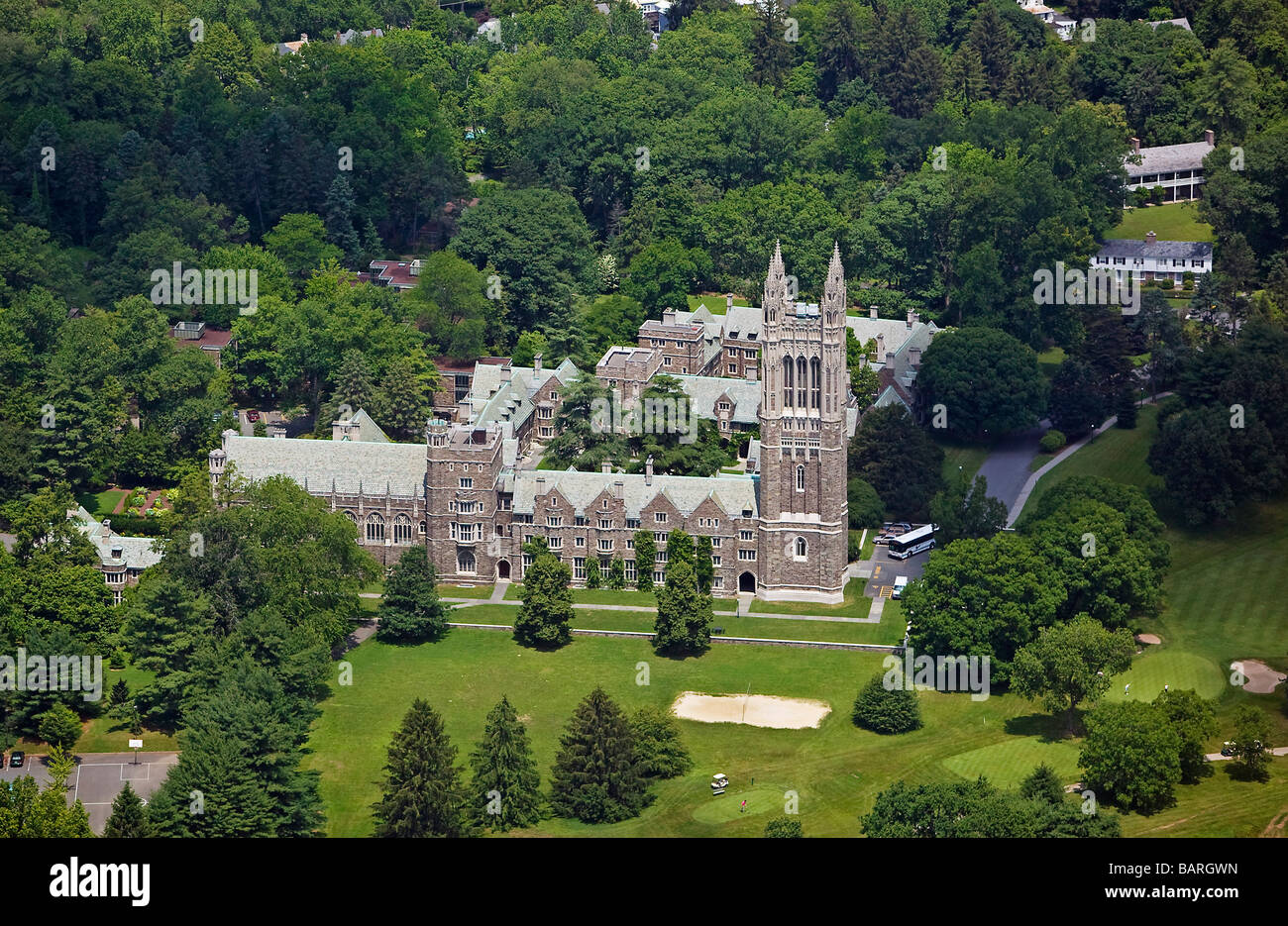 aerial view above graduate dormitory building golf course Princeton University - Stock Image