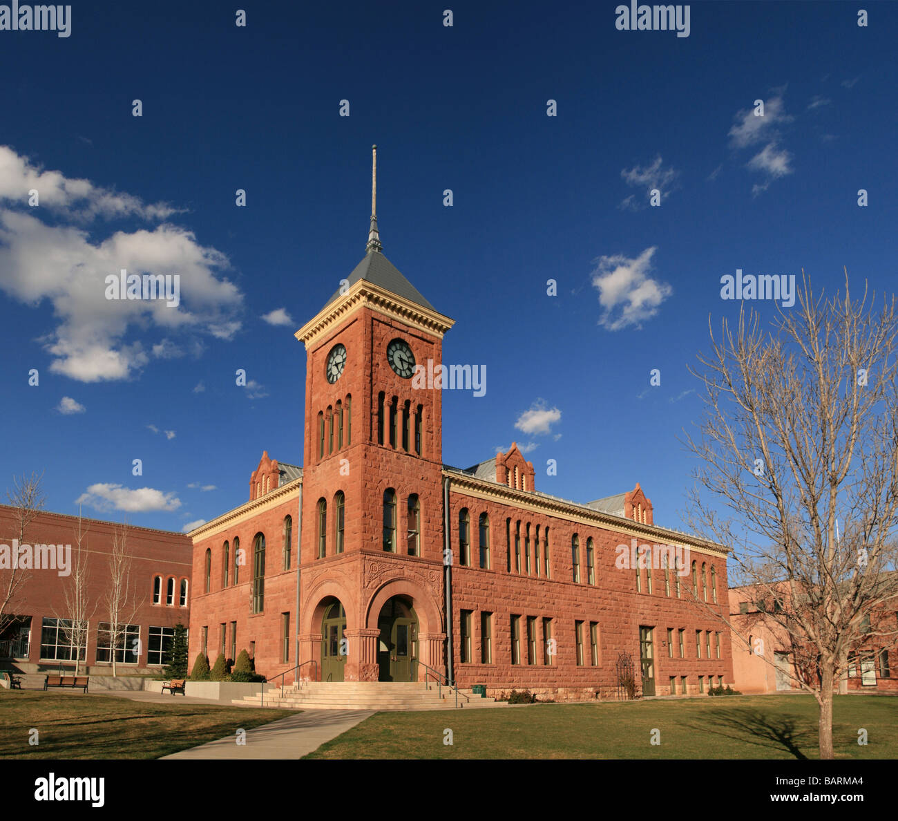 the old 1894 Flagstaff sandstone courthouse - Stock Image