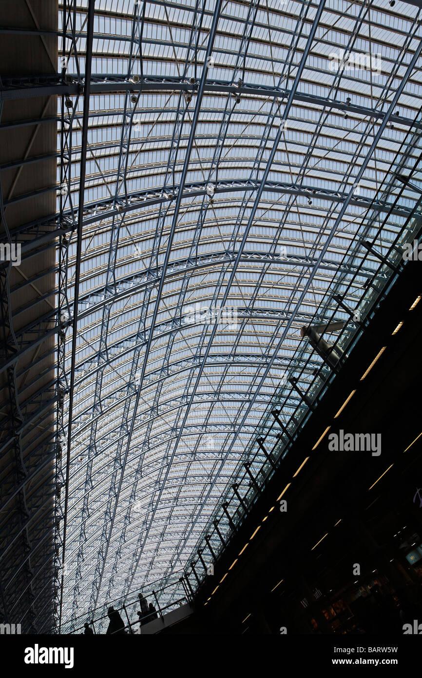 Glass roof St Pancras railway station London England - Stock Image