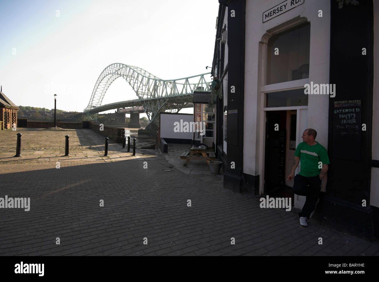 Pub in Widnes ,next to the Silver Jubilee Bridge over the River Mersey and Manchester Ship Canal at Runcorn Gap, - Stock Image