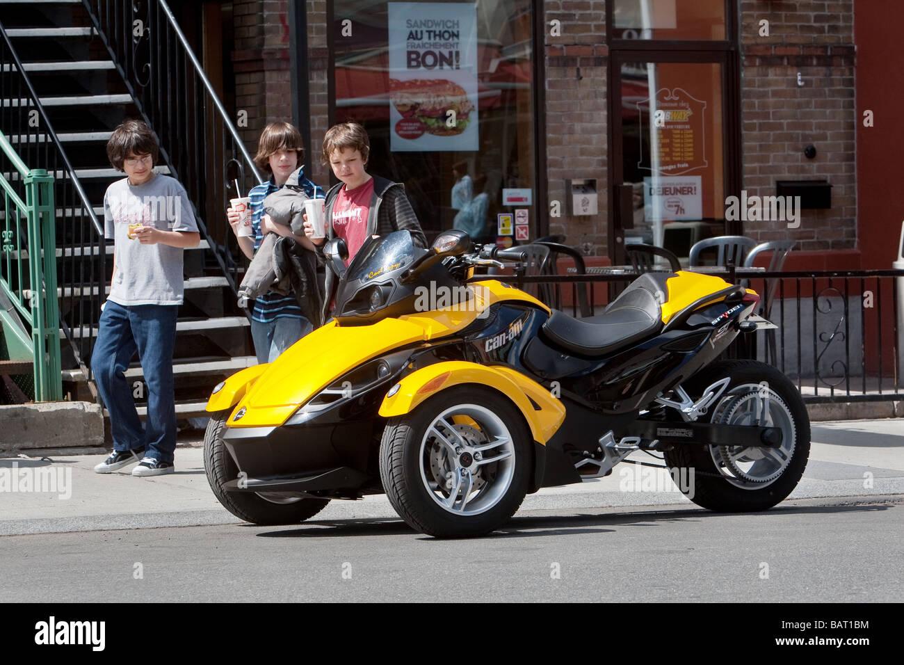 Can Am Spyder Roadster >> Brp Can Am Spyder Roadster Is Seen On Avenue Cartier In