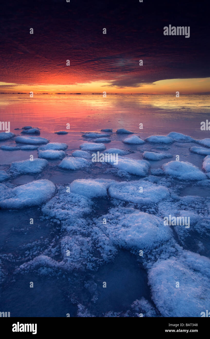 Frozen Lake St. Clair in morning twilight, Southeastern Michigan - Stock Image
