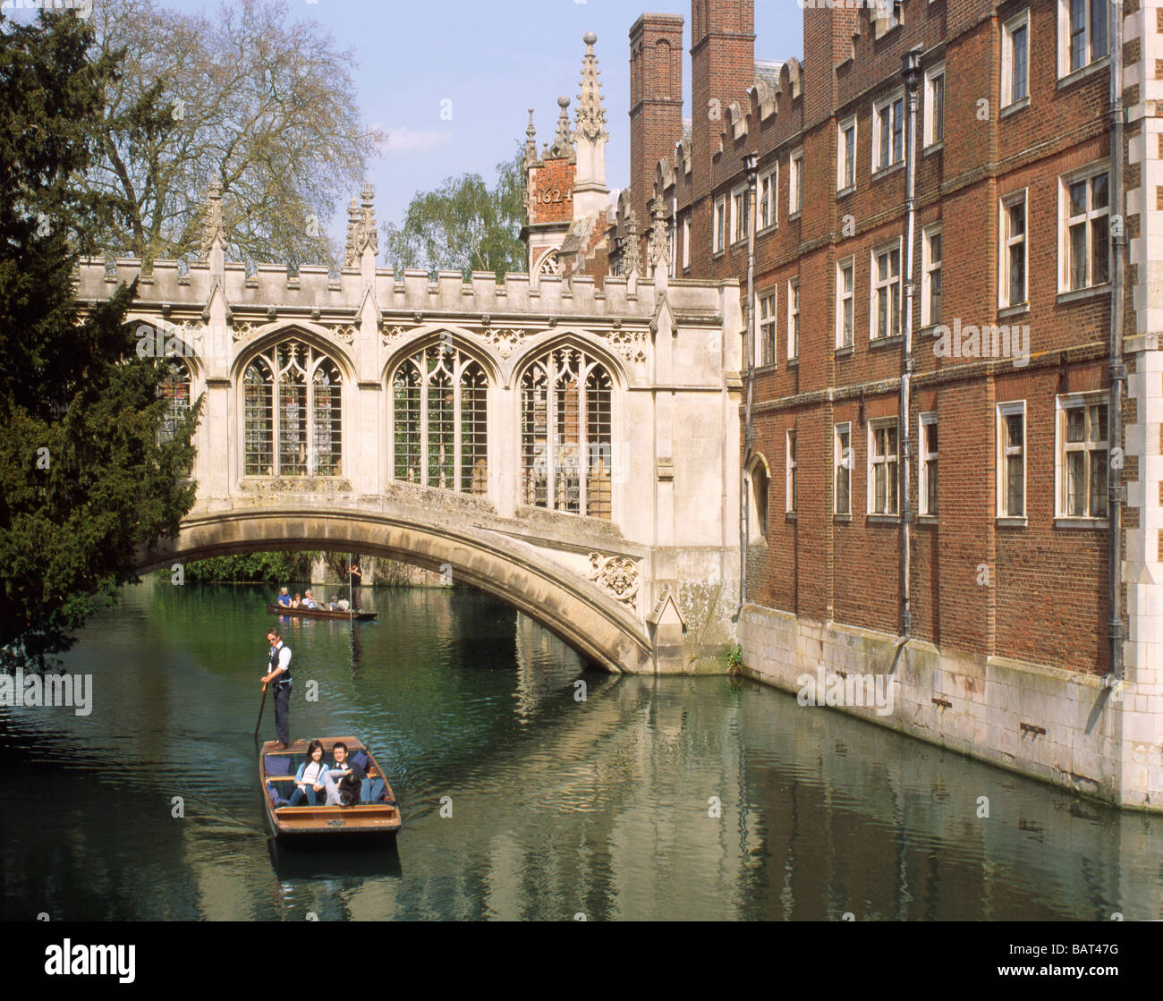 England Cambridge Punting on the Backs by StJohns college - Stock Image