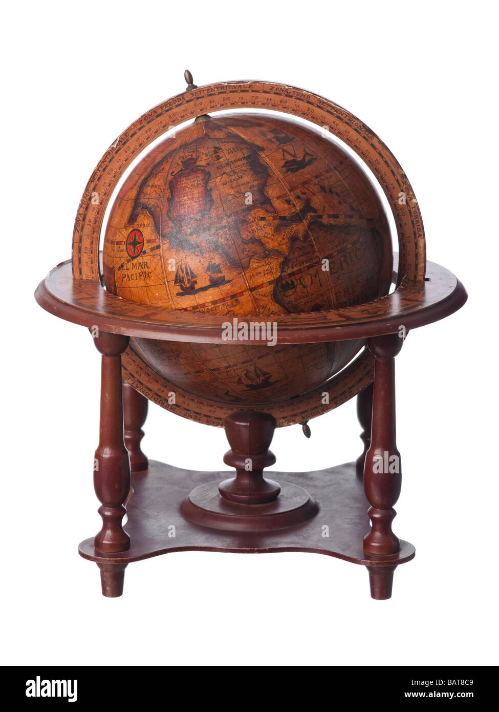Vintage old earth globe showing America - Stock Image
