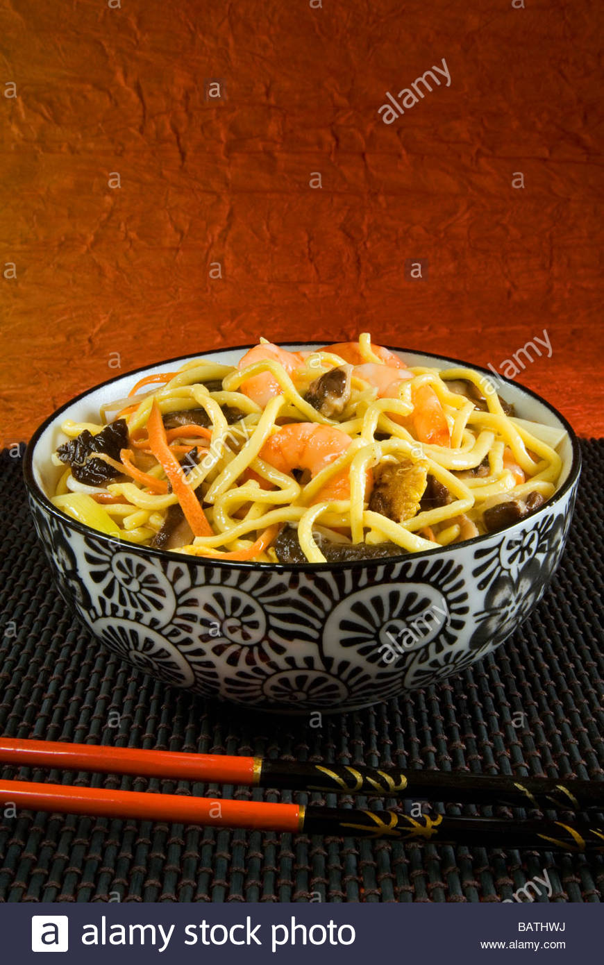 Ch Ao Mien Spaghetti With Crayfishes Mushrooms And Carrots Chinese Stock Photo Alamy