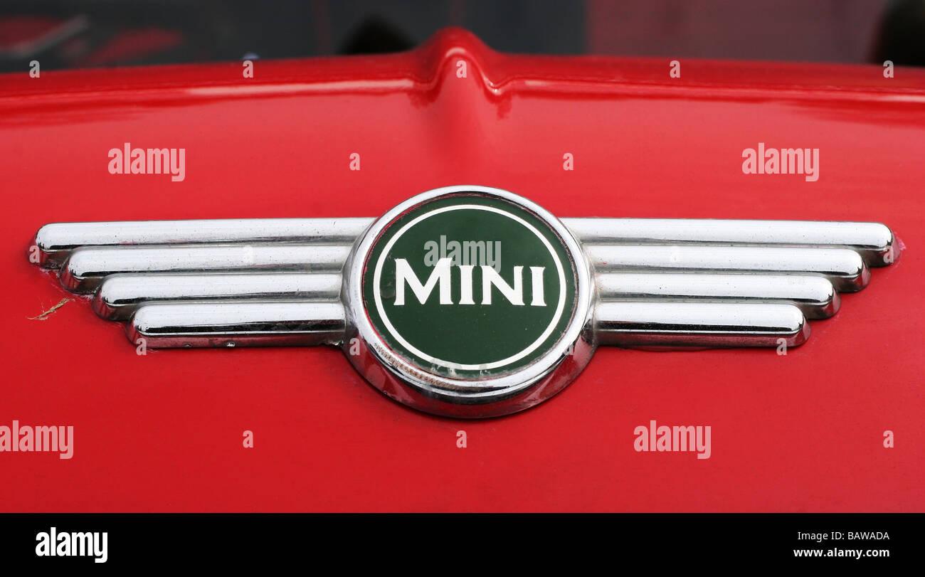 Mini Cooper Countryman Classic Clubman Badge grill badge Classic