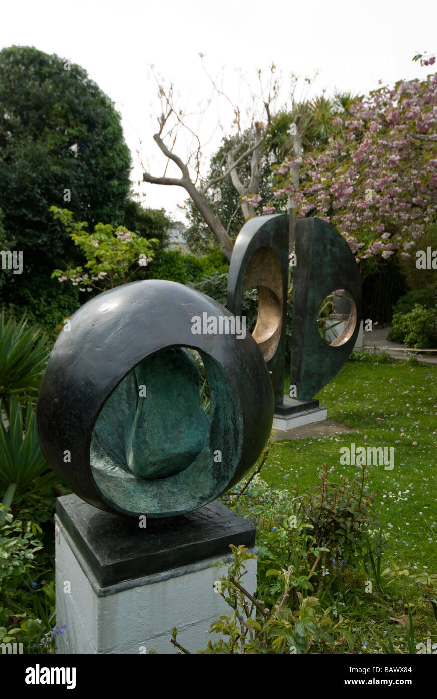 Barbara Hepworth Sculpture Garden - Stock Image