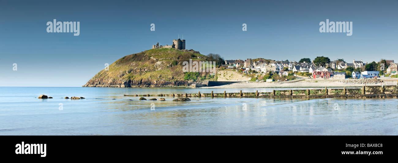 Criccieth Castle and Village, Criccieth, Gwynedd, North Wales, UK - Stock Image