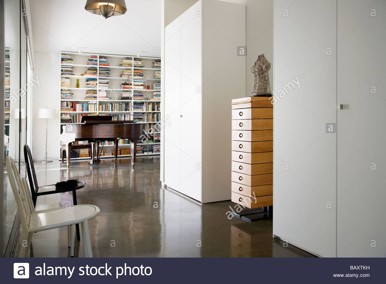 Interior of modern house, grand piano - Stock Image