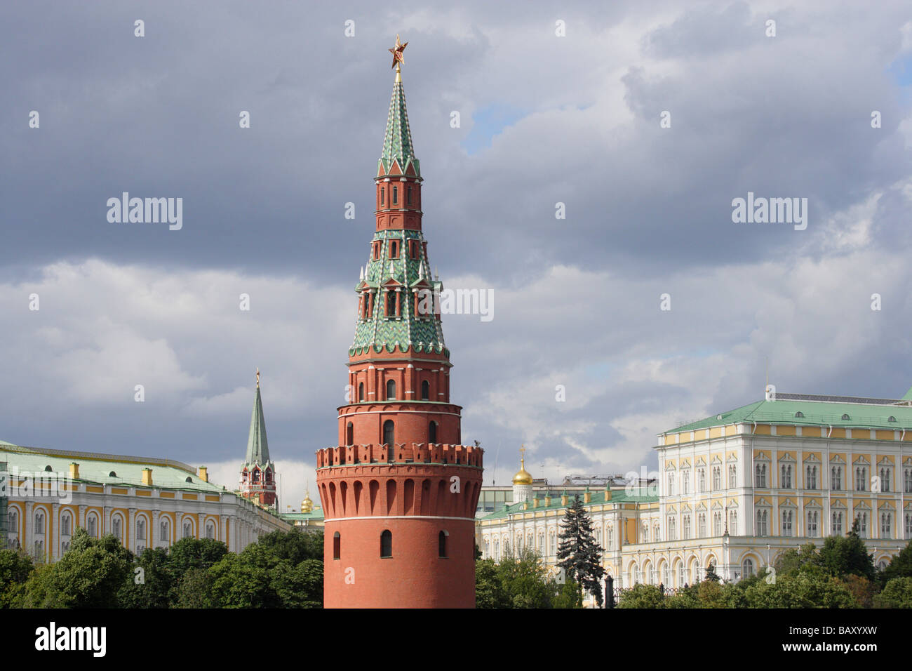 The Kremlin, the Arsenal building on the left and the red Vodovzvodnaya watertower, Moscow Kremlin, Moscow, Russia - Stock Image