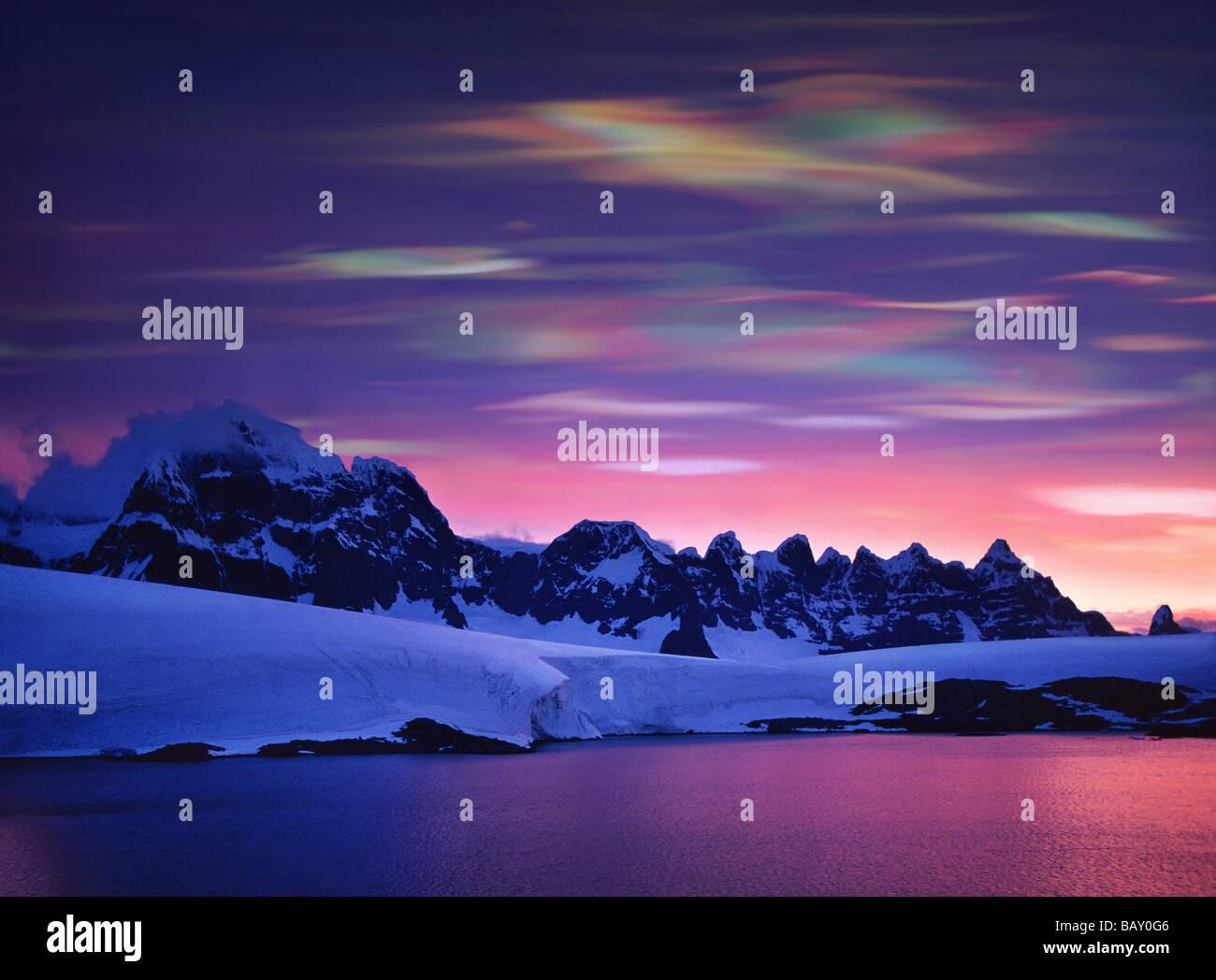Pearl clouds, nacreous clouds, Polar Stratospheric Clouds, These clouds indicate global warming, Antarctic Peninsula, - Stock Image