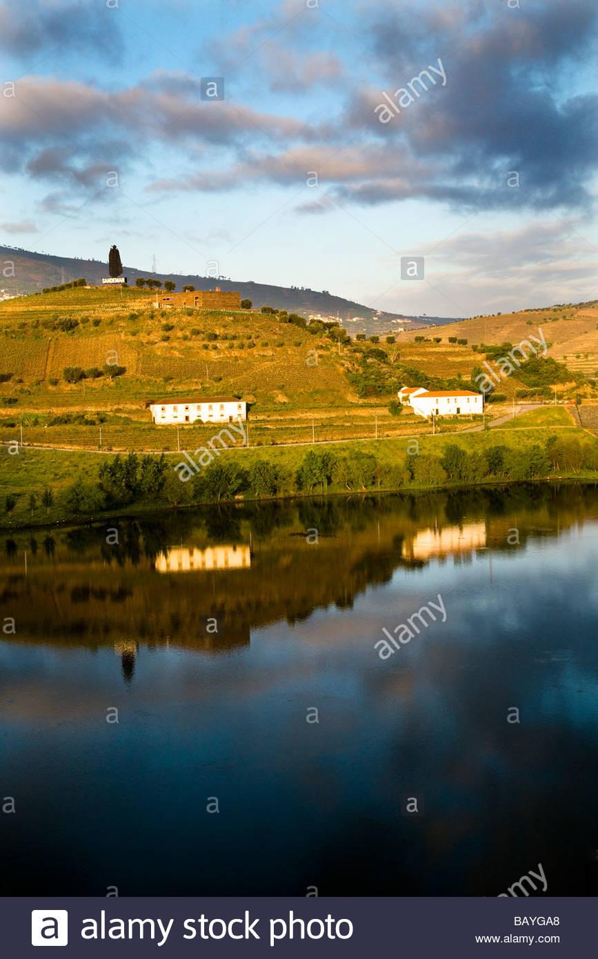Early morning view over Douro river at Peso da Régua, Portugal - Stock Image