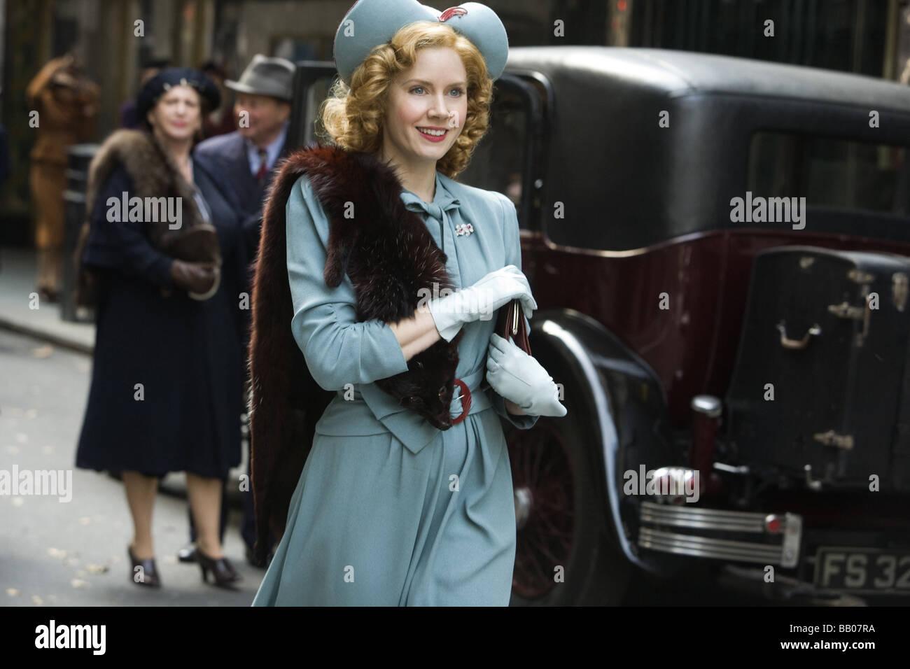 Miss Pettigrew Lives for a Day Year : 2008 UK Director : Bharat Nalluri Amy Adams - Stock Image
